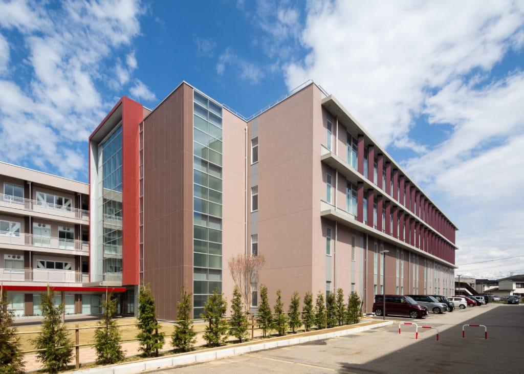 富山県立大学 看護学部校舎